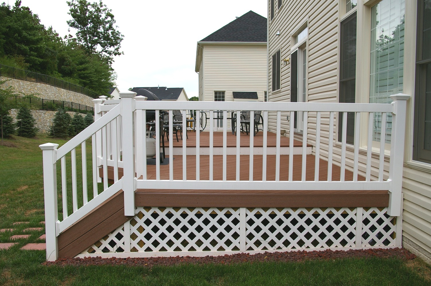 Composite deck deck materials geodeck geodeck composite for Composite deck railing